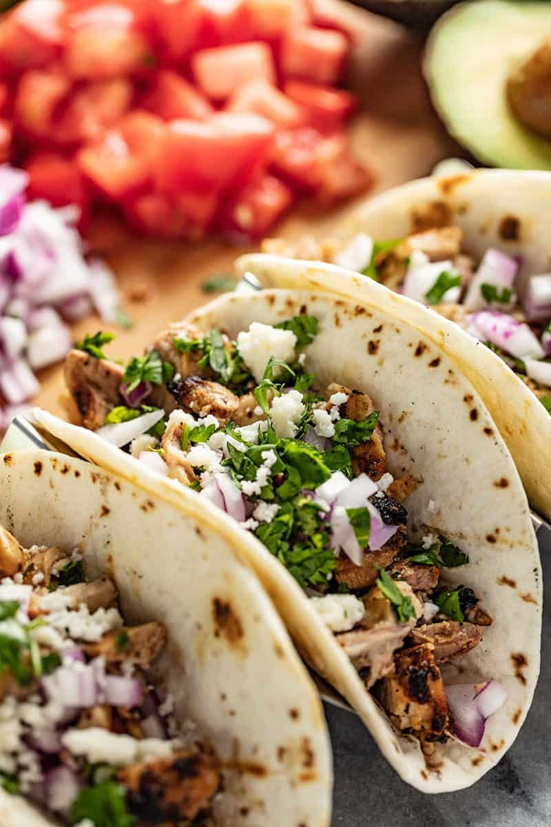 Garlic Lime Grilled Chicken Tacos Recipe Grilled Chicken Tacos Food Chicken Tacos