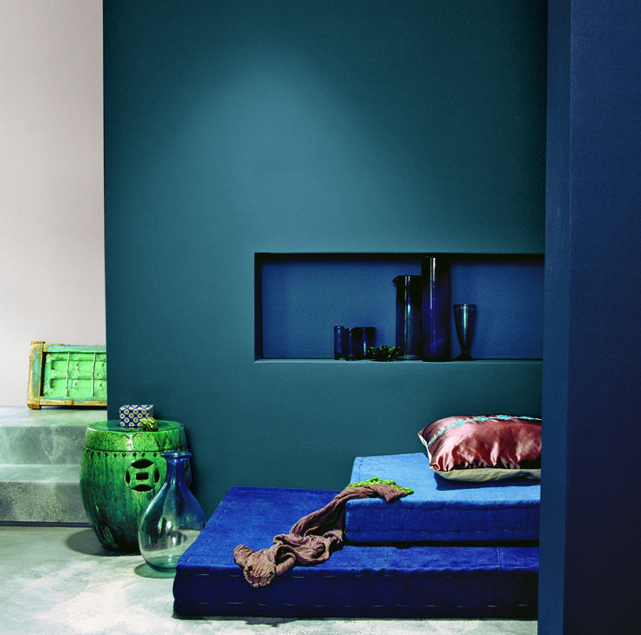 Dark blue paint colors for bedrooms - This Paint Is Amazing Dulux Royal Blue D Blue Painted Wallsnavy