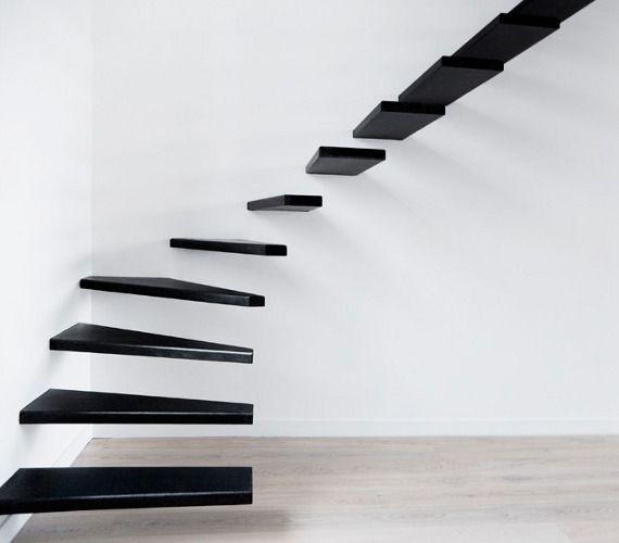 Bizarr lény a nappali közepén: képeken 6 elképesztő lépcső ...