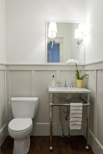 Source Caitlin Creer Interiors Bm Gray Owl Tiek Built Homes Beautiful Small Powder Room