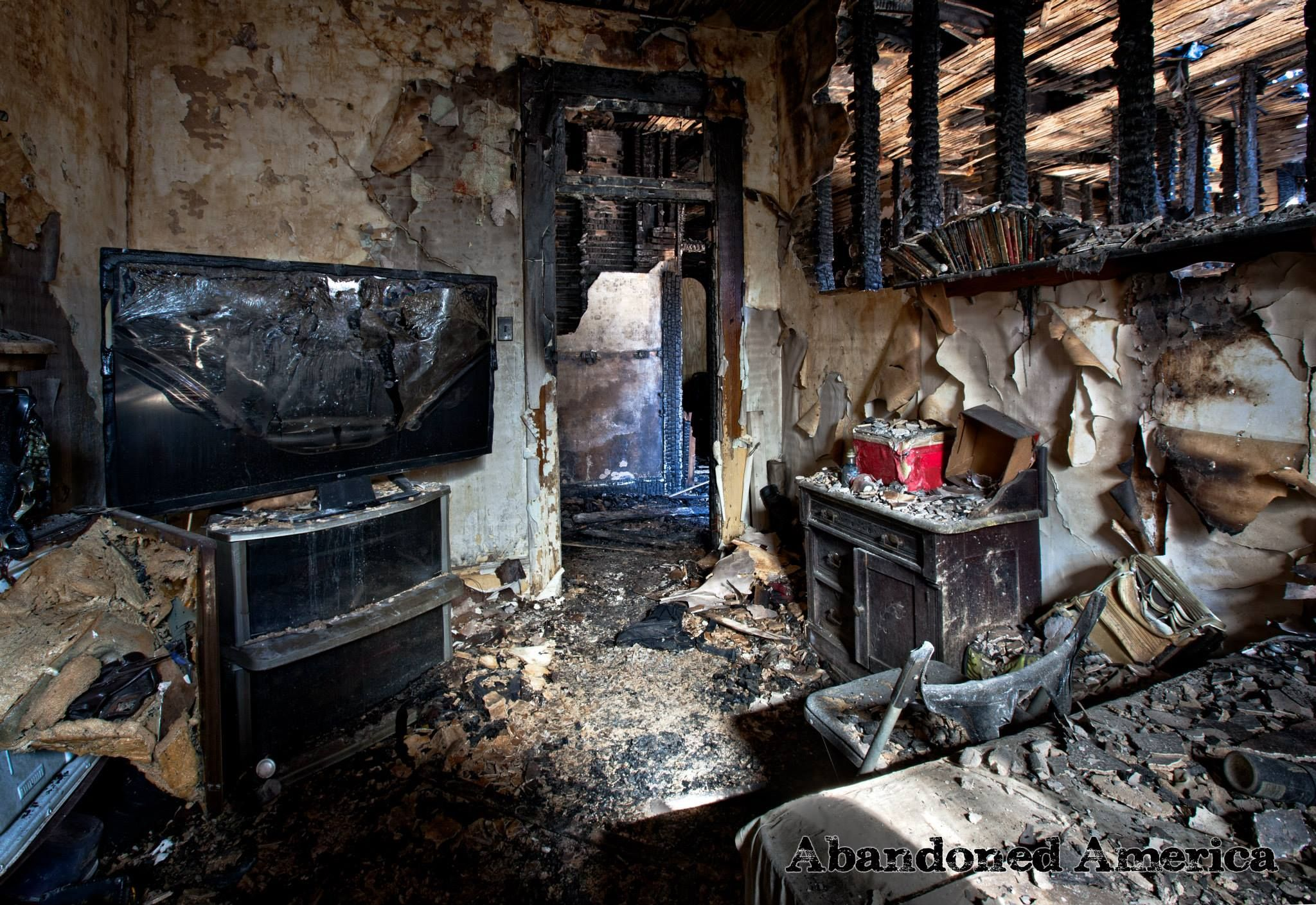 Residential Hotel Destroyed By Arson The Dode In Bellefonte Pa People Who Lived Rooms Were Not Able To Return Them