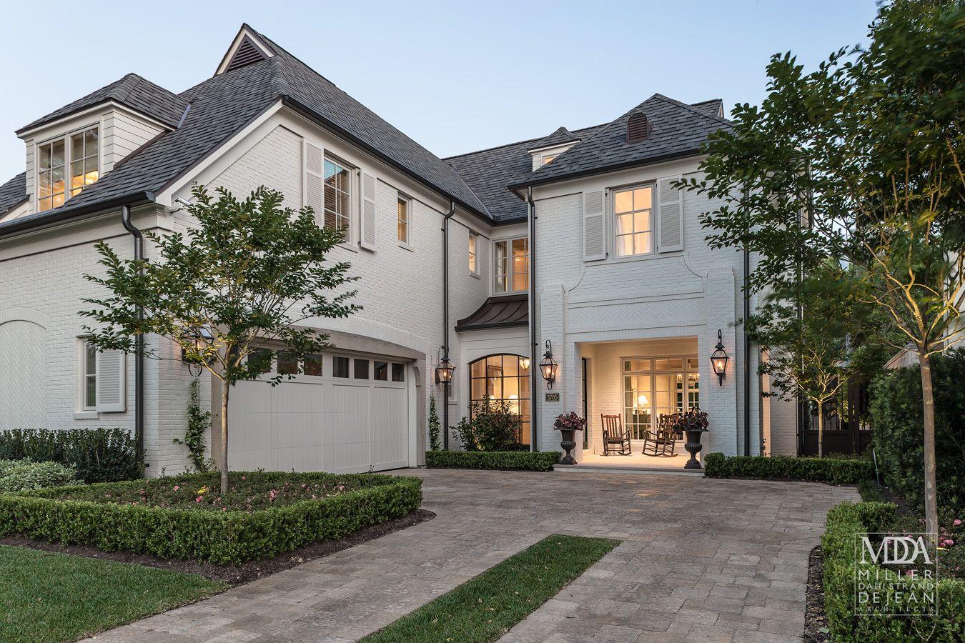 Houston TX Contractor Scott Frasier Homes Interior Designer Chapman Design Landscape Thompson