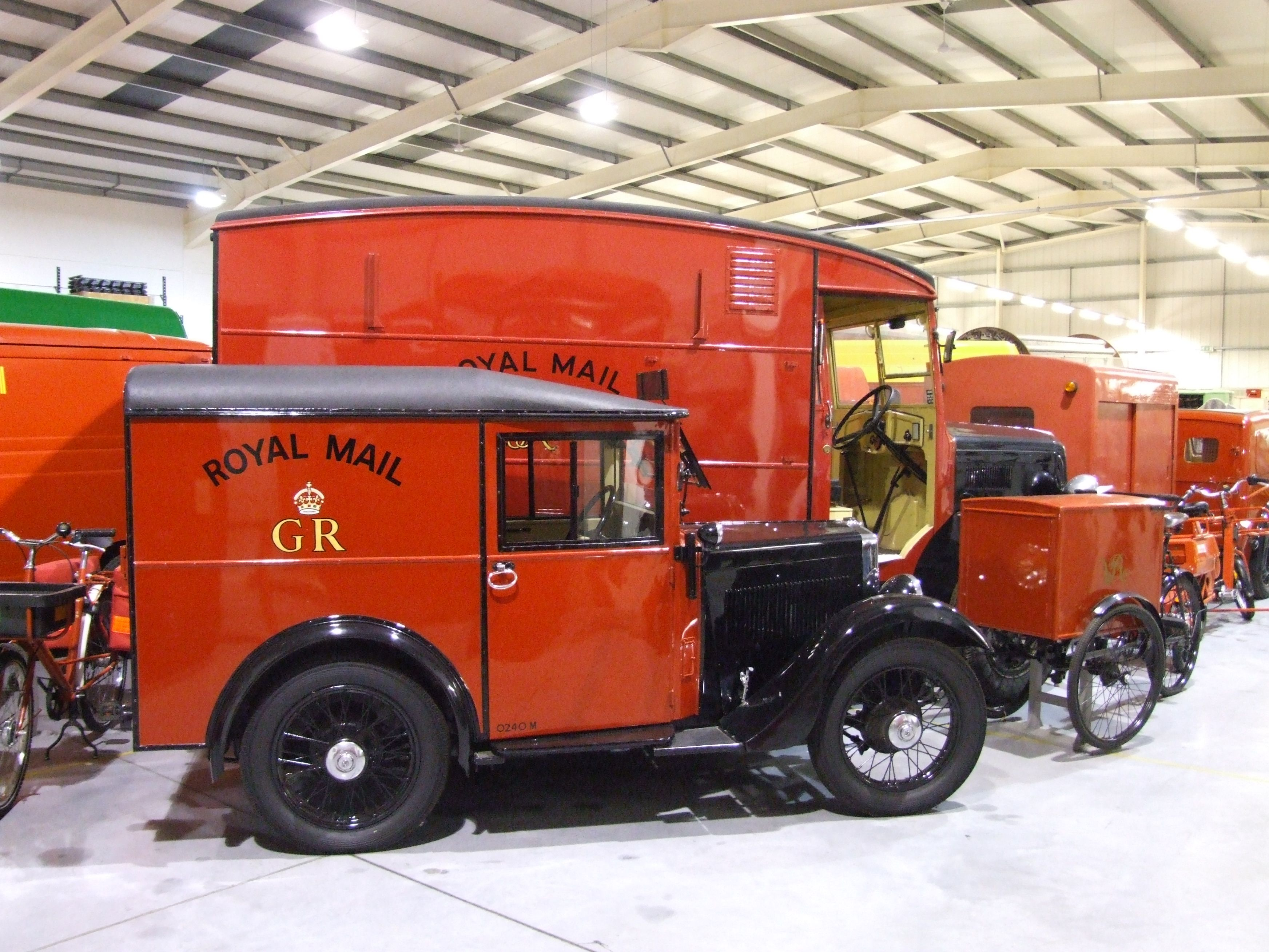 The Post Office bought its first batch of Morris Minors in 1932 ...