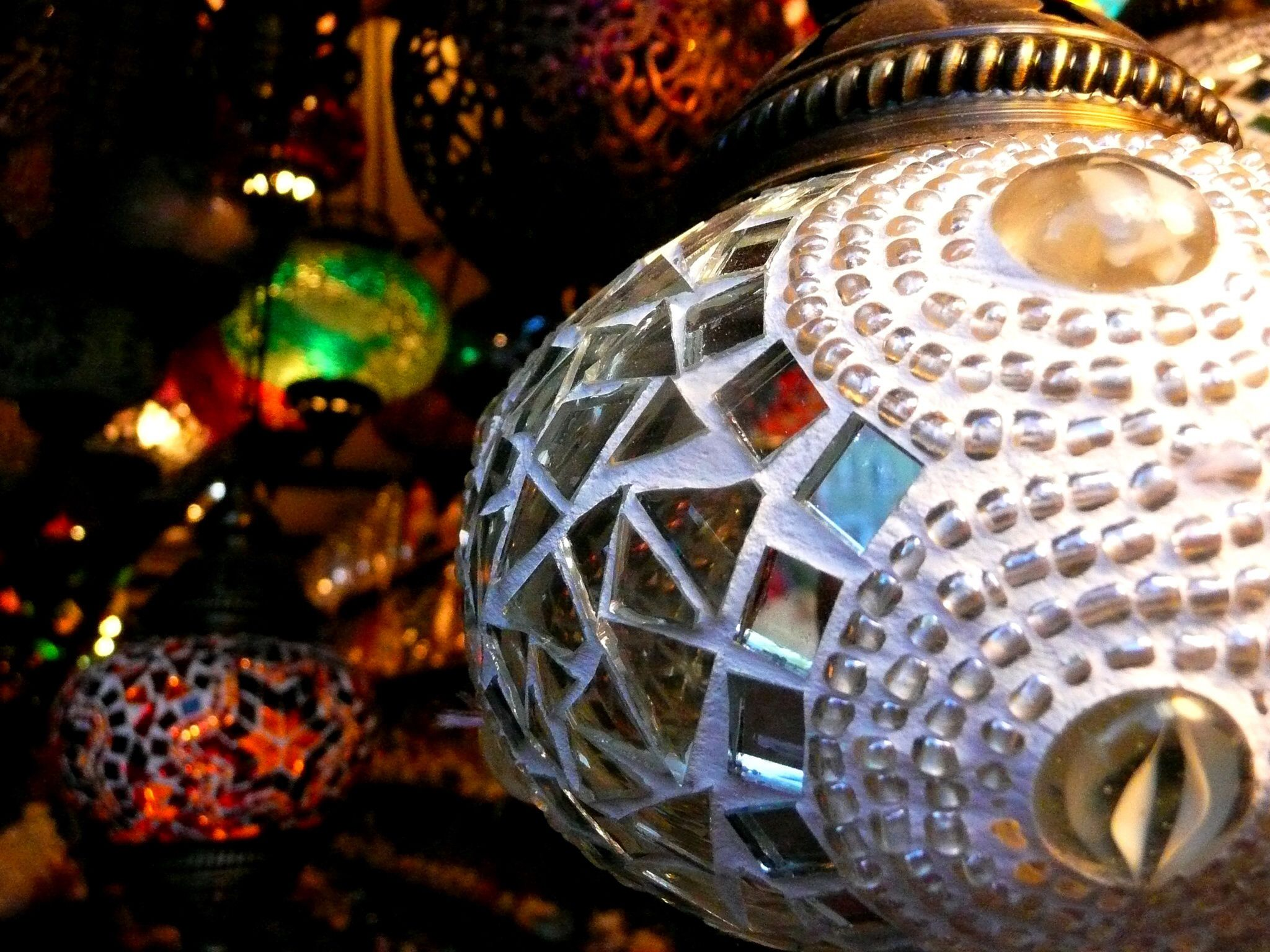Lamps in Istanbul markets