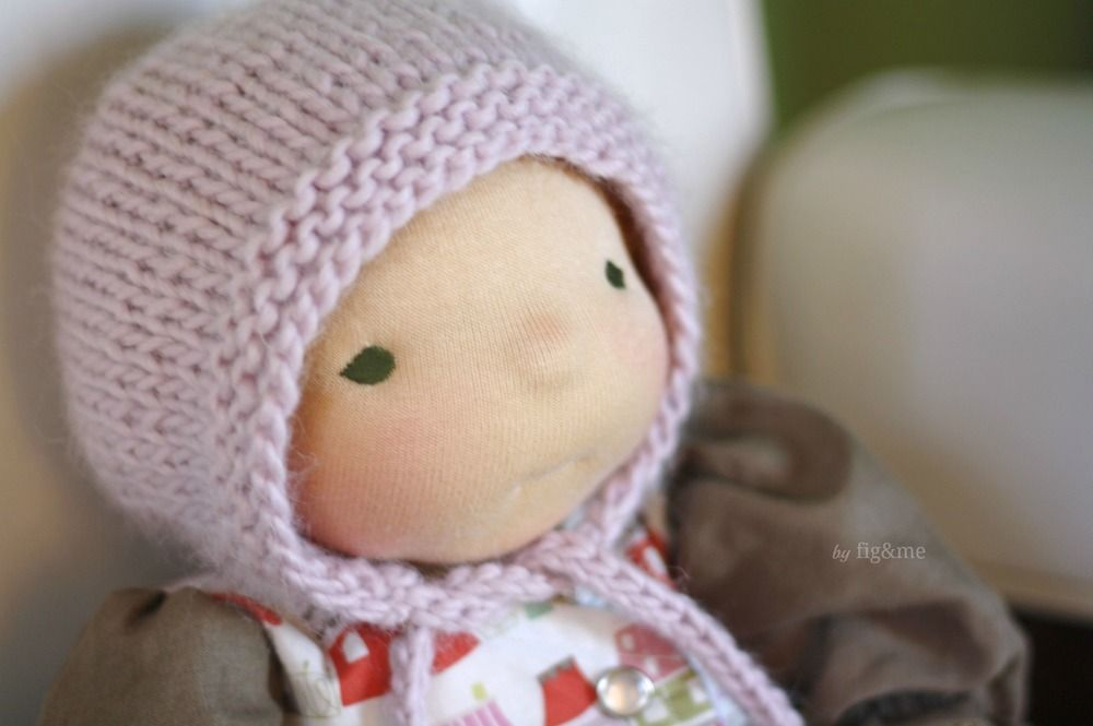 Jan 7 Simply Baby Bonnet, a free knitting pattern.   Puppenkleider ...
