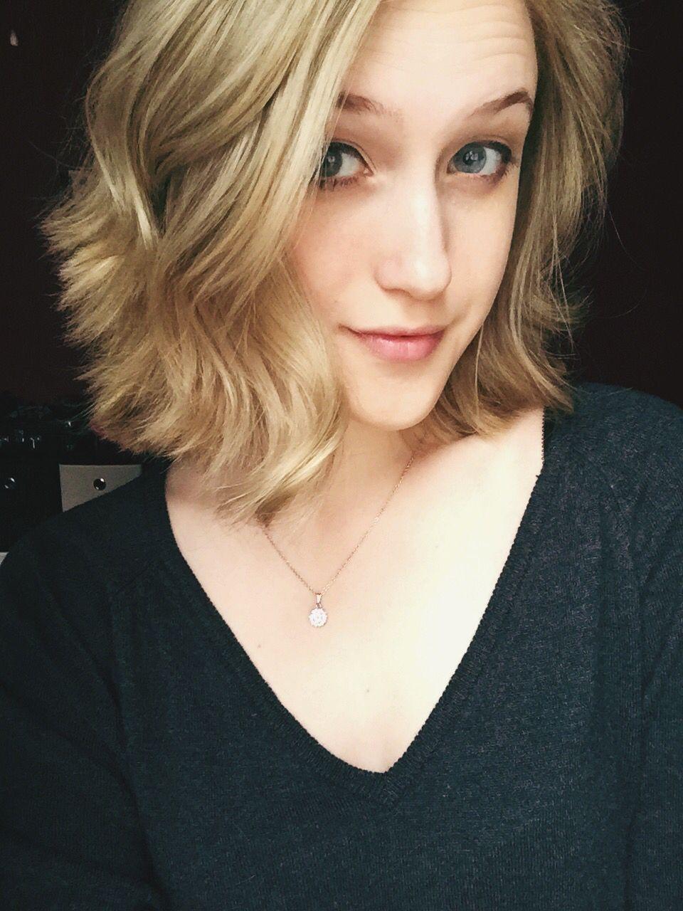 short blonde hair. cute short hairstyles of 2015. #curlyhair