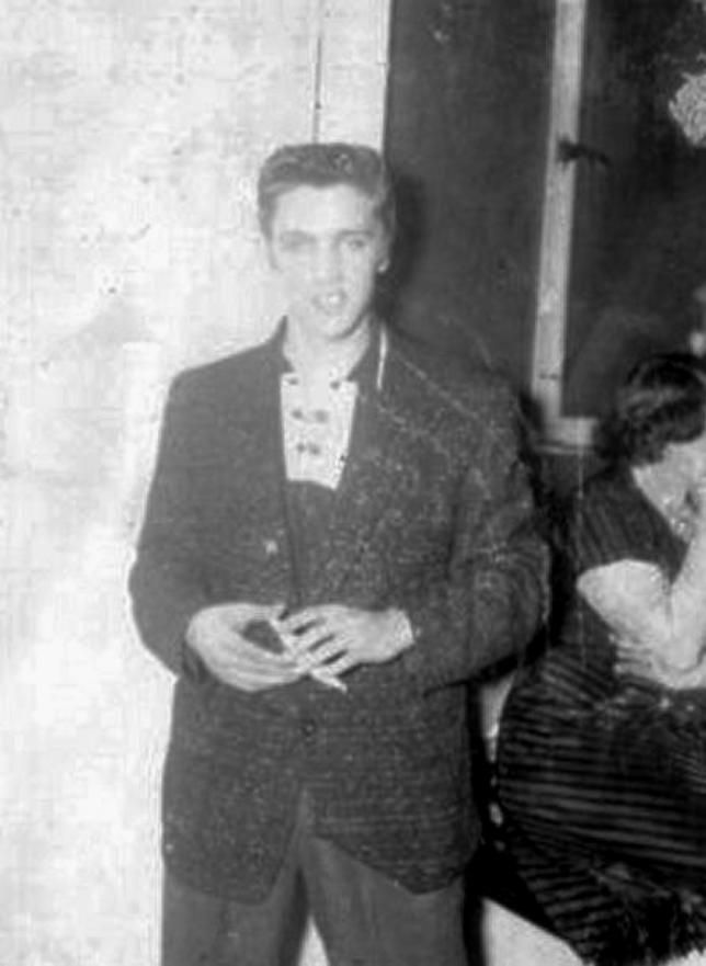 Elvis at Cook s Hoedown Club, Houston, Texas, December 28, 1954 ... 6a6a8d1dbe