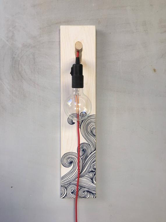 lampe de chevet lampe en bois la main d cor de maison. Black Bedroom Furniture Sets. Home Design Ideas