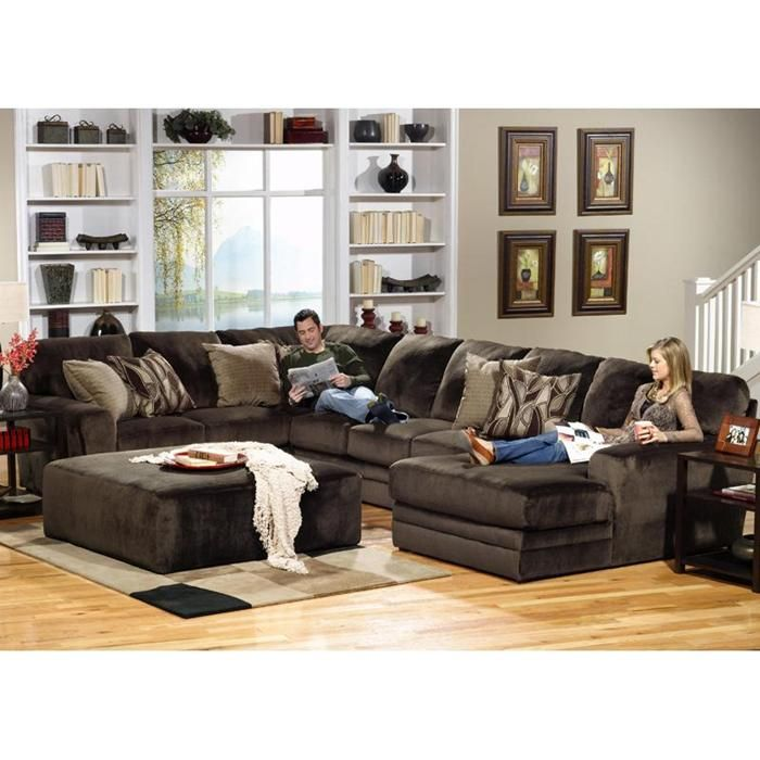 Everest 3 Piece Sectional In Chocolate
