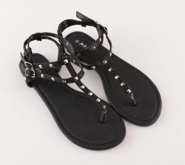 Soldes sandales entre doigts : foncez chez Moa ! | Sandales