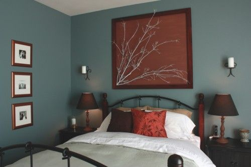 I like the idea of spray painting branches and framing them Bold - schlafzimmer dunkle farben