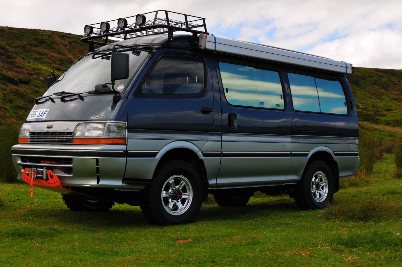TOYOTA HIACE CAMPERVAN 4x4 EXPEDITION T&T 64K,WINCH FITTED 2