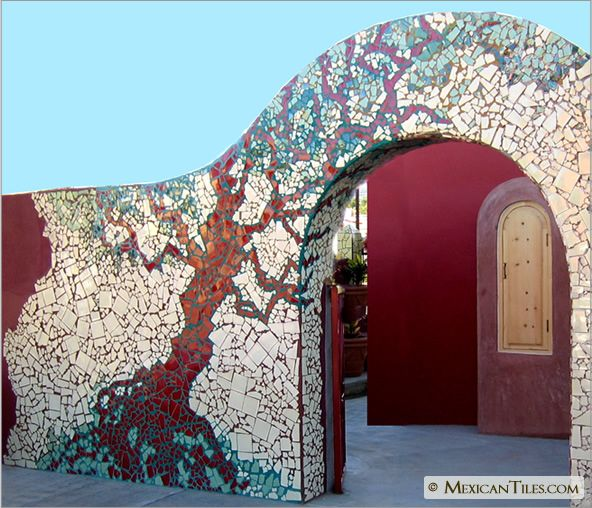 Exterior fence wall with broken mosaic for Garden wall mosaic designs