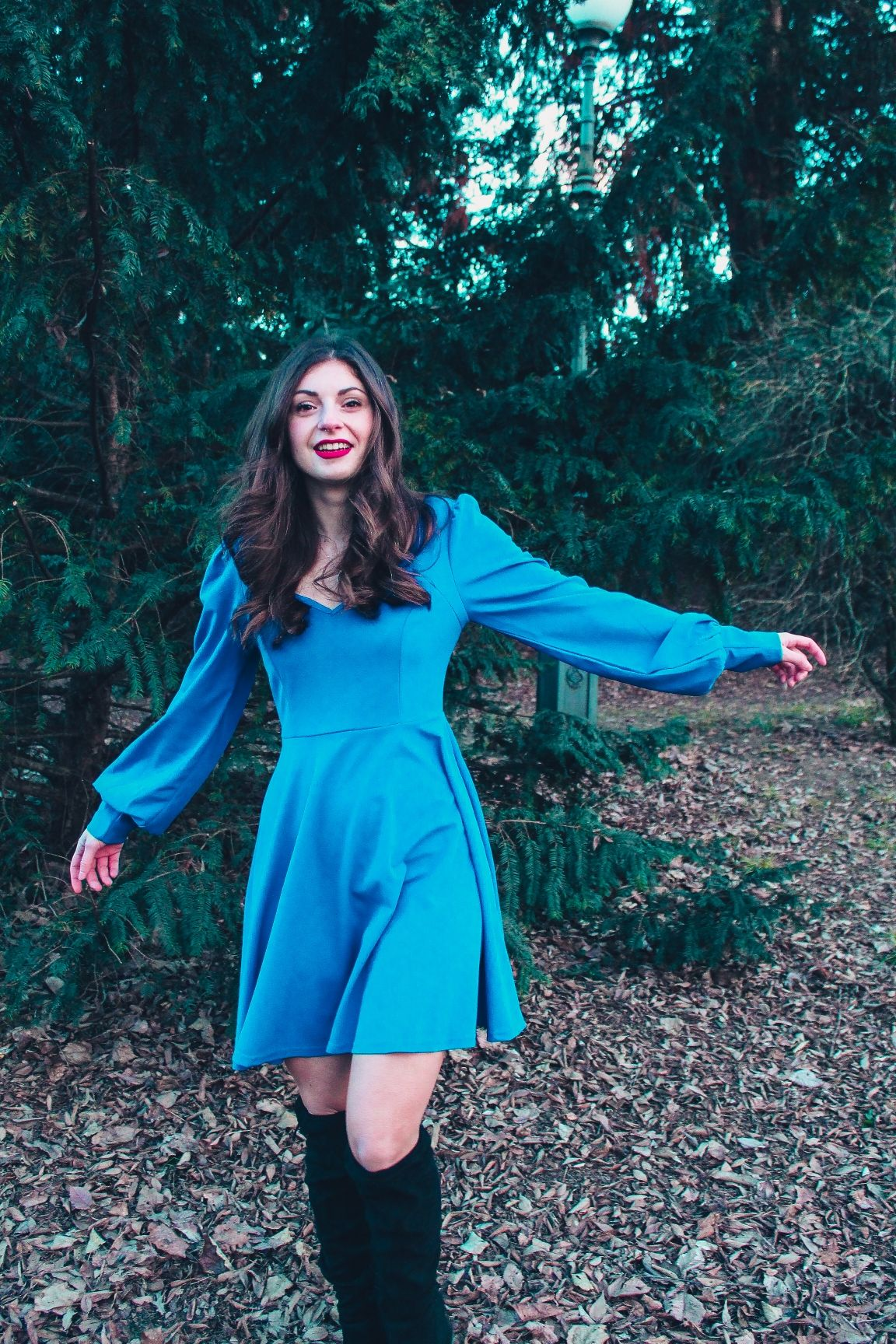 2d1eeb1e40 SHEIN Blue Knot Backless Sweetheart Solid Fit and Flare Long Sleeve Short  Dress