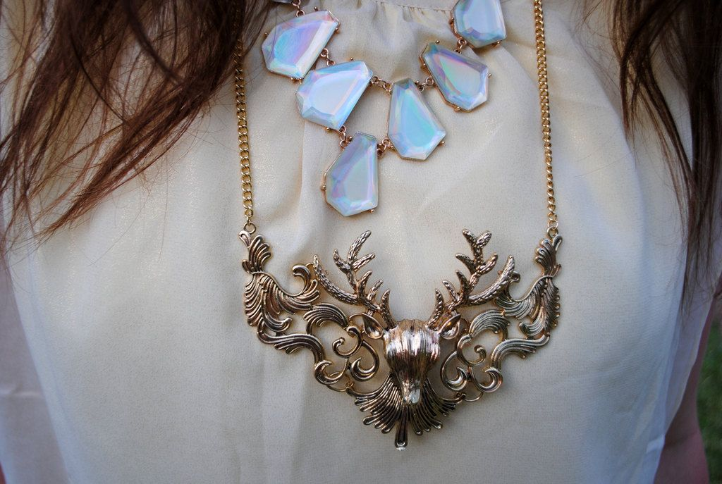 Walking on a Dream | Daydreaming in Color Buck Antler Necklace-- Sheinside  new post on the blog featuring a joint photo shoot! check it out!  <3  www.daydreamingincolor.com
