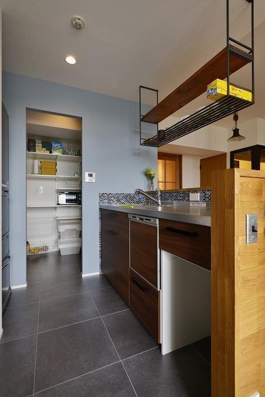 キッチン事例 キッチン 暮らしに合わせて変えていける あえて作りこまない家 リノベーション キッチン キッチン床 キッチンデザイン