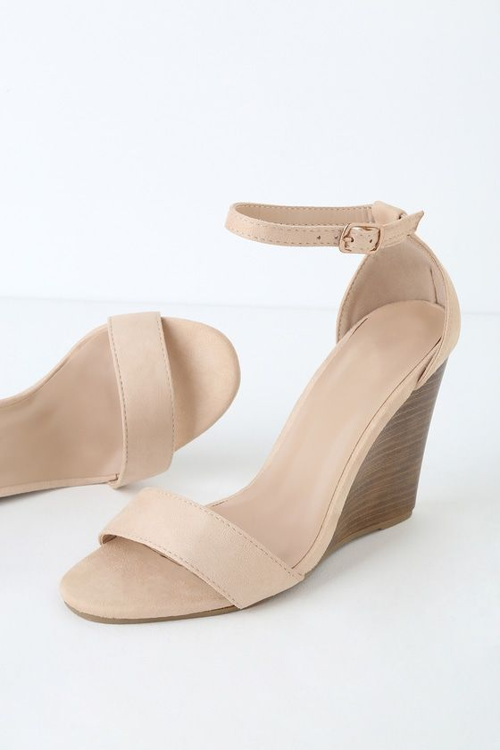 e128c7b5885b 23 Classy Graduation Shoes to Stride Across the Stage In | High ...