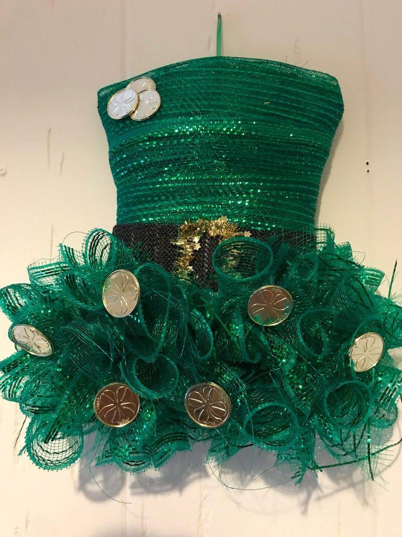 Leprechaun hat wreath, green hat wreath, holiday wreath