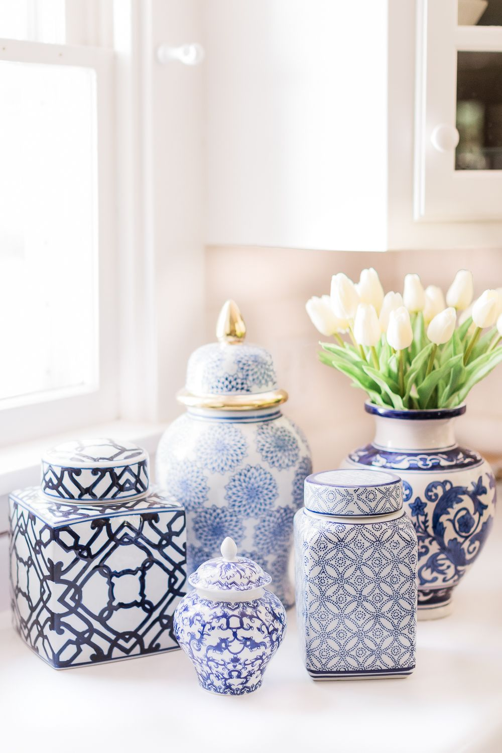 Popular southern lifestyle blogger Stephanie Ziajka rounds up 12 classic blue and white ginger jars on Amazon, all of which are under $100, in today's post!