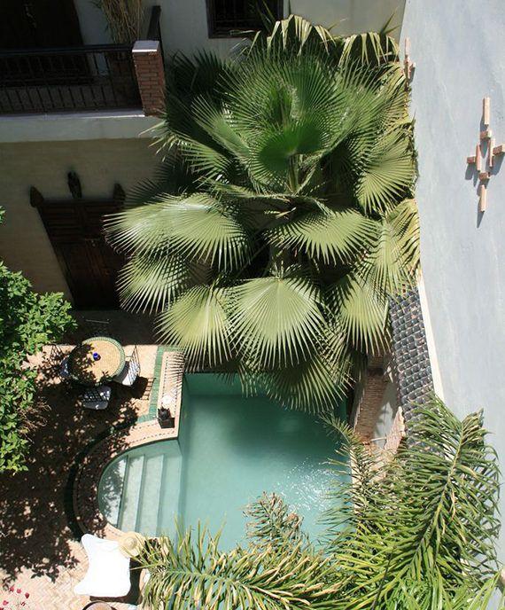 Belebende Gartengestaltung mit kleinem Tauchbecken zum Entspannen #innenhofgestaltung