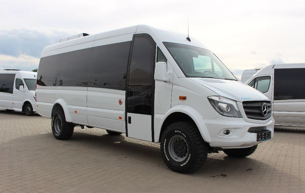 Venda Carrinha De Passageiros Mercedes Benz Sprinter 519 4x4 Novo
