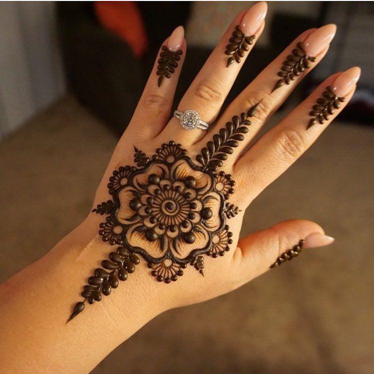 «Henna @mehndikajoeyhenna»