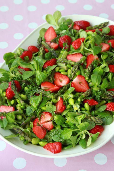 Aspargessalat med jordbær