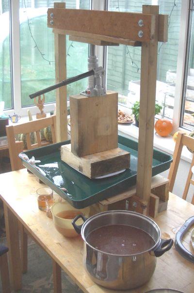 Pulp press juice google search press pinterest for Costruire pressa idraulica