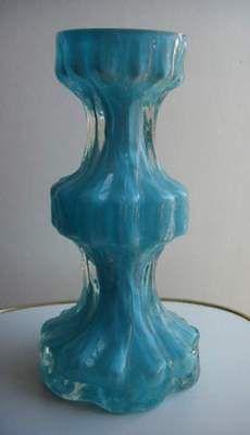 Ingrid Glas: Hellblaue Glasvase, durchsichtiges Überfangglas