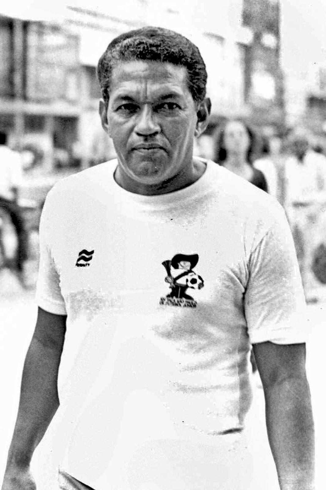 Garrincha in a Wales kit 1966