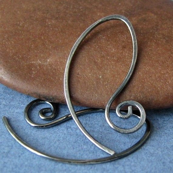 Oval spiral earwires