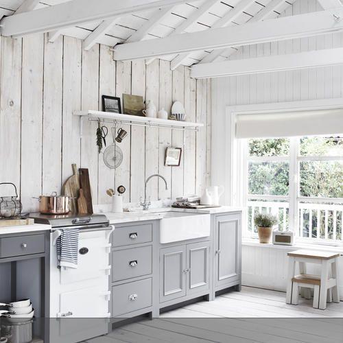 k chenzeile landhausstil. Black Bedroom Furniture Sets. Home Design Ideas