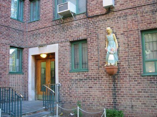 Parkchester Apartment Complex Wikimapia Stuyvesant Town Apartment Complexes Bronx