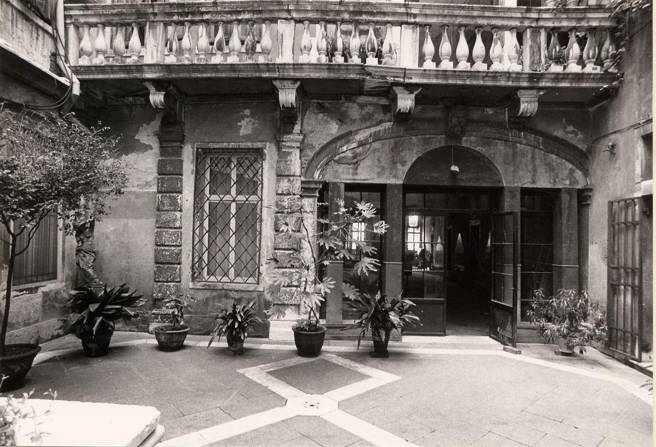 Quadri Fondazione Ugo e Olga Levi Palazzo Giustinian Lolin Pinterest