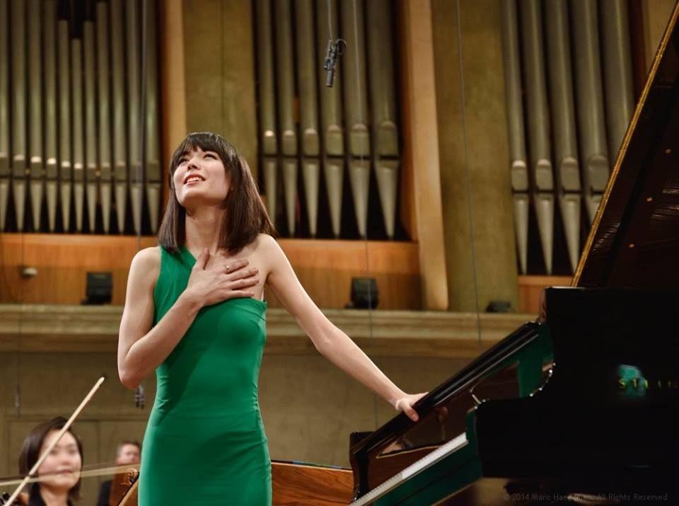 Ocio Inteligente: para vivir mejor: Intérpretes (32): Alice Sara Ott plays Ravel's Pia...