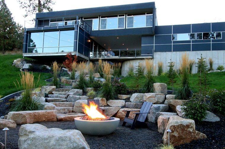 Giardini da copiare casa moderna con tanti vetri area esterna