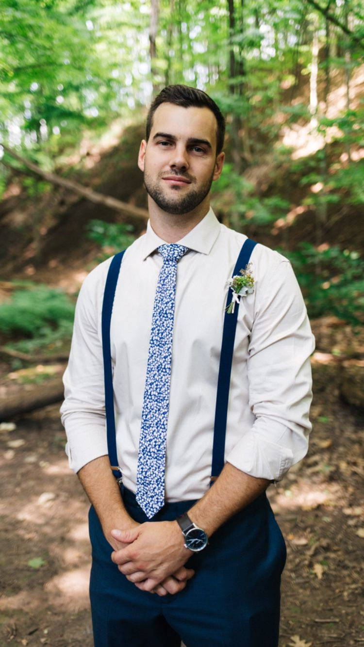 How to boutonniere wear on a shirt fotos