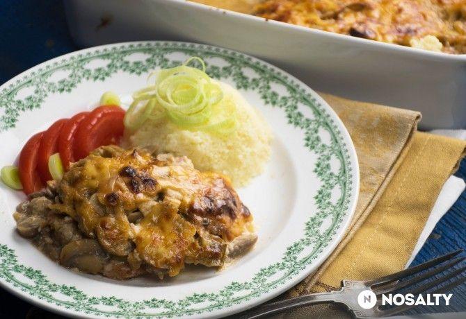 NOSALTY: Gombás-sajtos tepsis hús újhagymával