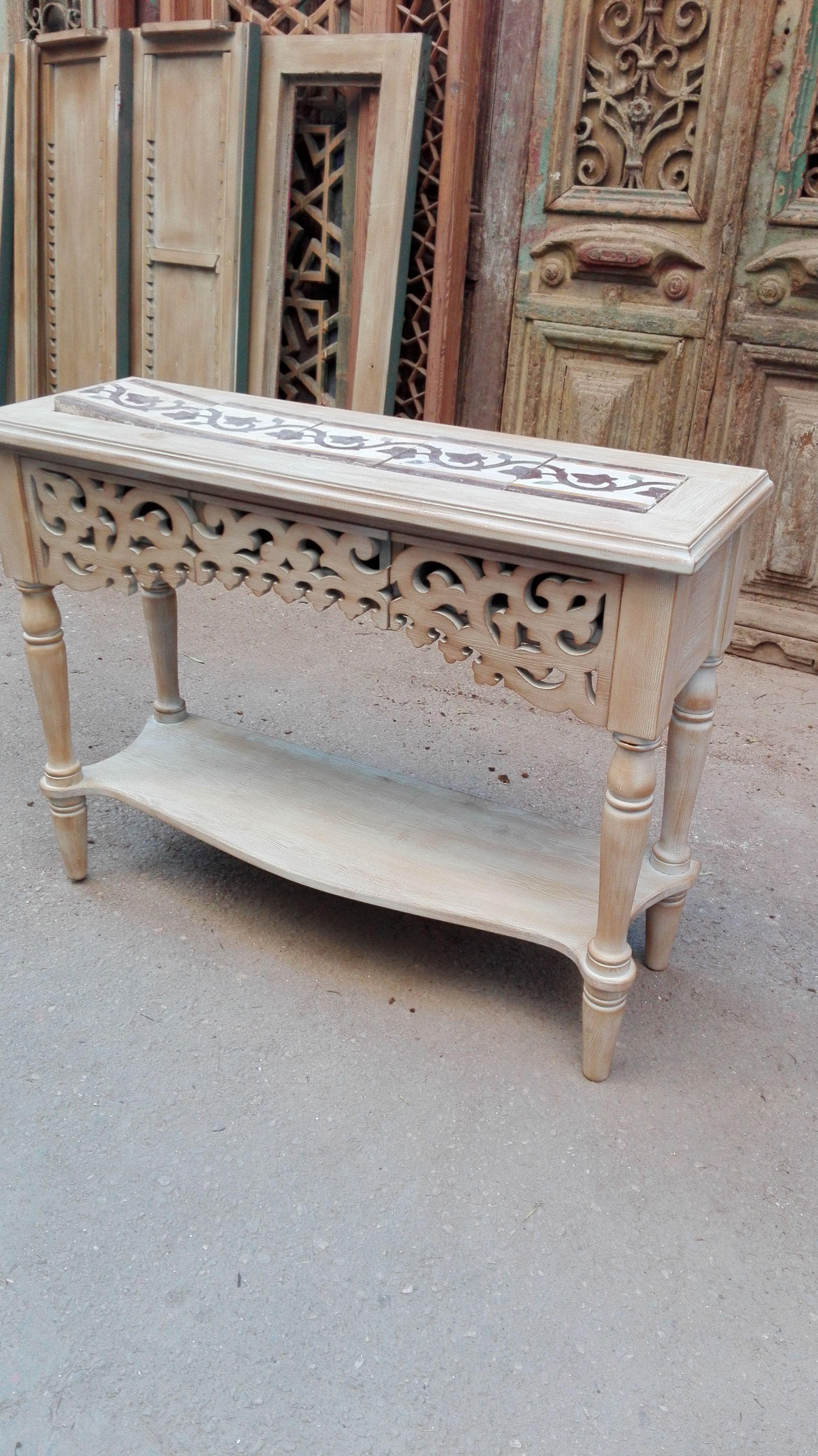 كونسول باستخدام موتيفة مشربية وبلاط اسمنتى قديم ملون Console Using Mashrabiya Motif And Old Colored Cement Tiles Decor Coffee Table Entryway Tables