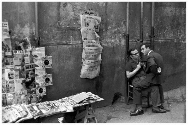 Italy in the 60s - Henri Cartier-Bresson Napoli (1960 ...