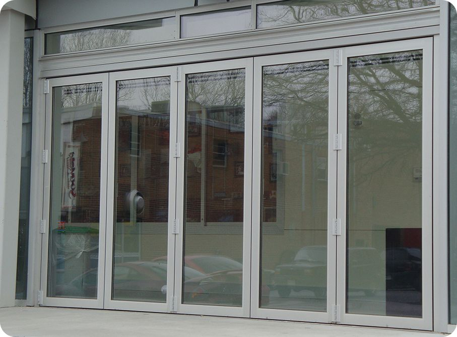 Commercial bi fold 907 669 pixels beach house for Sliding glass doors accordion