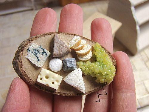Miniature Food - Fromages / Cheese (by PetitPlat Food Art - Stephanie Kilgast)