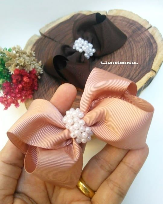 #diy #crafts #handmade #diy #doityourself #crafty #crafting Delicadeza que chama7 cm de puro amor, lao boutique. Pronta entrega.............#Laosparameninas #mundorosa #mundopink #pompons #itgirl#princesas #tiaras #laos #arcos #turbantes #lacarotes #laceira #acessriosinfantins #meninas #mundofeminino #girls #artesanato #amoremformadelao #maededuas#laosdemariaseacessorios #beautiful #cute #happy #fashion #instagood #love #diy