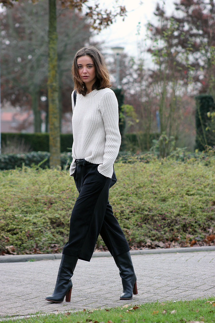 Knit sweater from MANGO, culottes from MANGO, boots from ZARA, small black  bag
