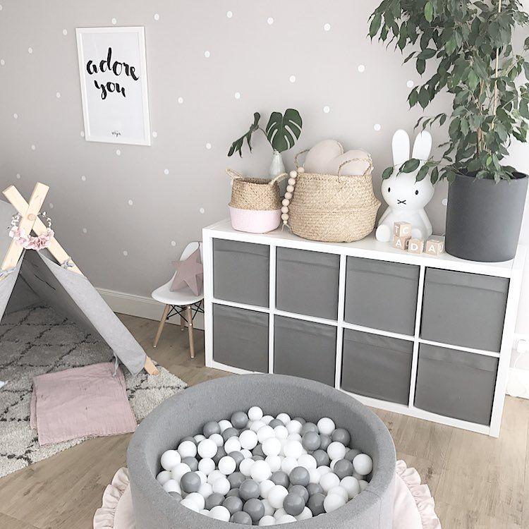 Bällebad Spielecke Spielzeug Spielzeugaufbewahrung Spielzeugregal Spielzelt Kinderecke Wohnzimmer neutral #kleinkindzimmer