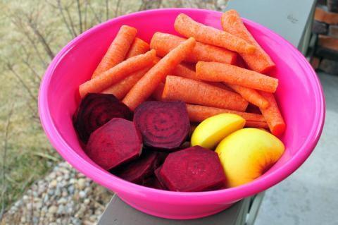 Recipe: Carbeeple = Carrot Beet Apple Juice! | Nosh and Nourish