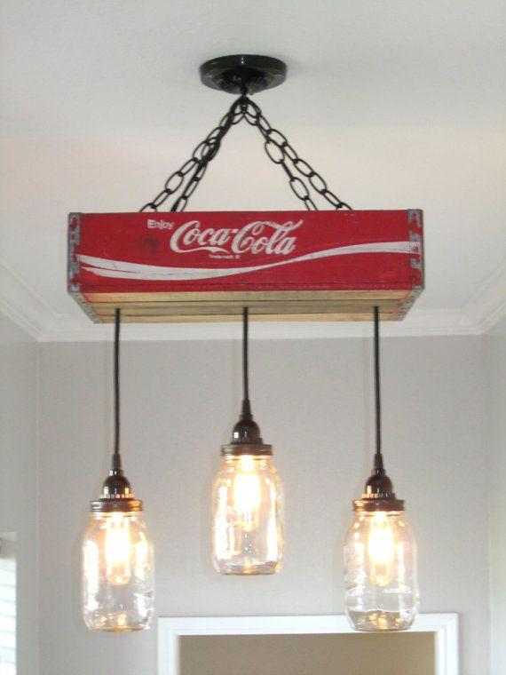 coca cola lustre plafonnier avec clairage de bocal conserves bocaux rouge mason clairage. Black Bedroom Furniture Sets. Home Design Ideas