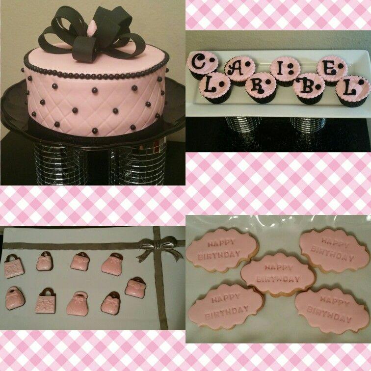 Alejandra's Cake te ofrece deliciosos paquetes de cumpleaños como el que ves en la imagen...contactanos