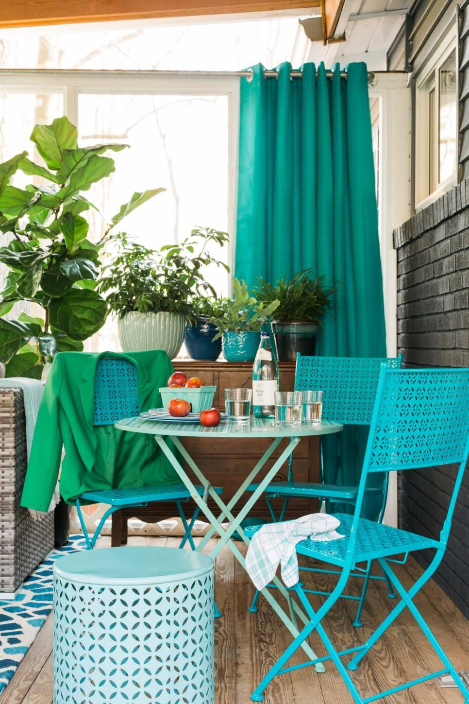 Small screenedin porch decorating ideas crafting sun and tables