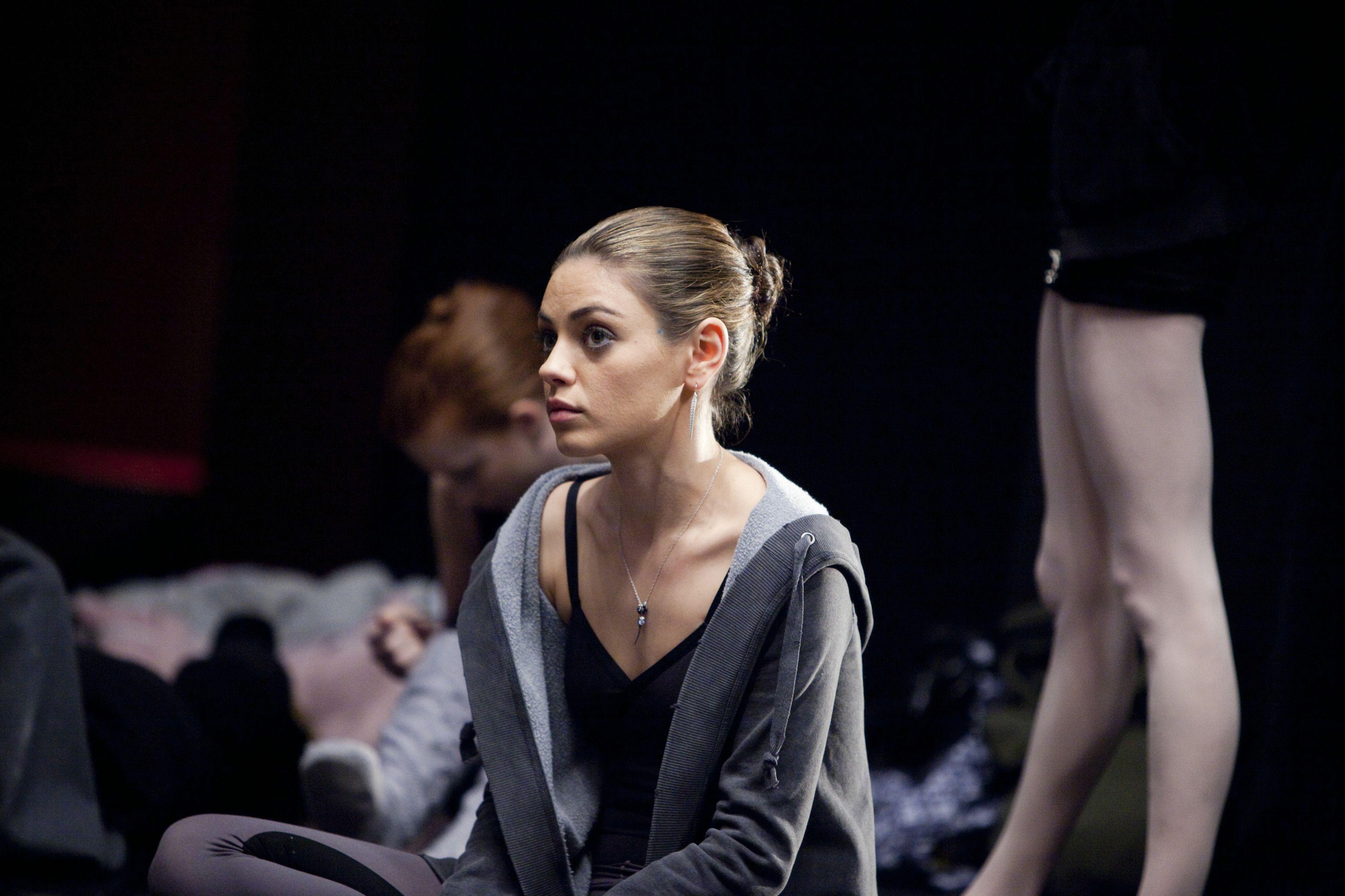 Mila Kunis - Black Swan (2010) (3508×2338)